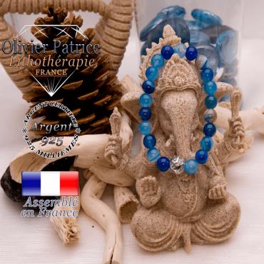 Bracelet agate à bandes bleues et sa boule gravée de feuilles en argent 925