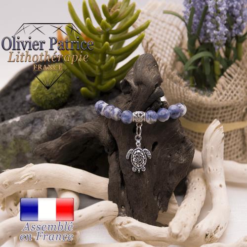 Bracelet sodalite et son charms tortue en alliage