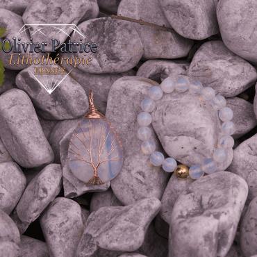 Bracelet opale et son pendentif arbre de vie en alliage de cuivre