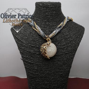 Pendentif paon opale grise en alliage