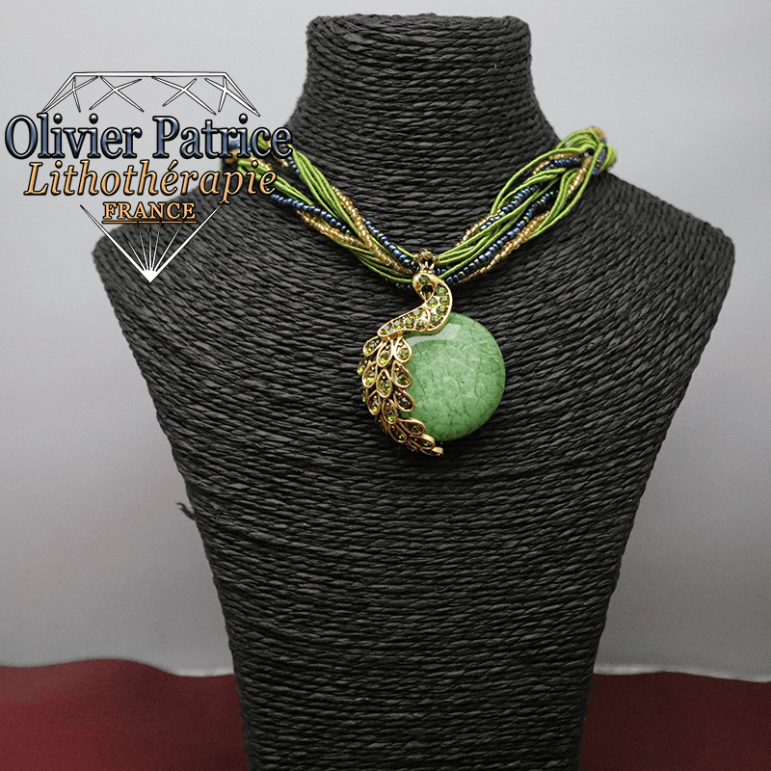 Pendentif paon opale verte en alliage