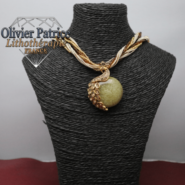 Pendentif paon opale marron clair en alliage
