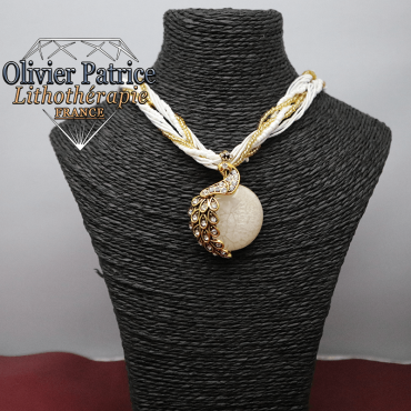 Pendentif paon opale blanche en alliage