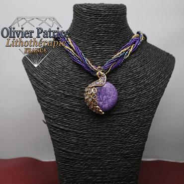 Pendentif paon opale violet clair en alliage