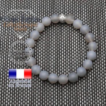 bracelet homme en pierre naturelle en agate grise opaque  de 10mm et sa tete de mort en argent 925 de 10mm